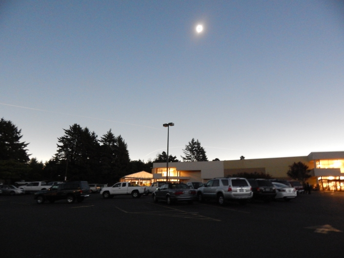 Eclipse 2017 032 parking lot.JPG